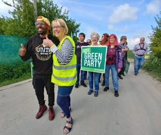 Magid Magid visits West Newton drill site.